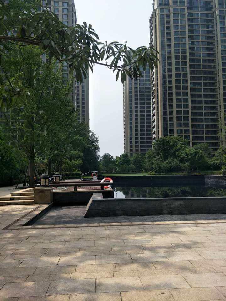 绍兴越城法院拍卖房:绍兴市越城区百合花园8幢1单元902室房地产
