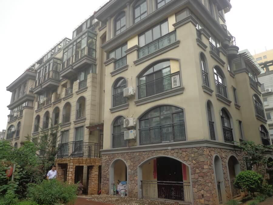 绍兴越城法院拍卖房:绍兴袍江恒联锦园1幢2单元203室房地产