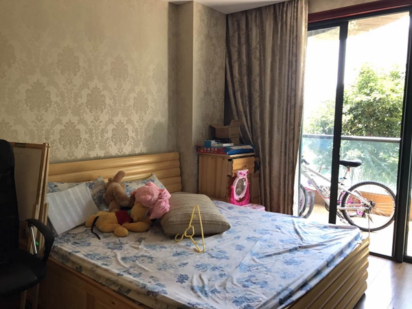绍兴柯桥法院拍卖房:绍兴市柯桥区柯桥华宇天庭6幢0102室