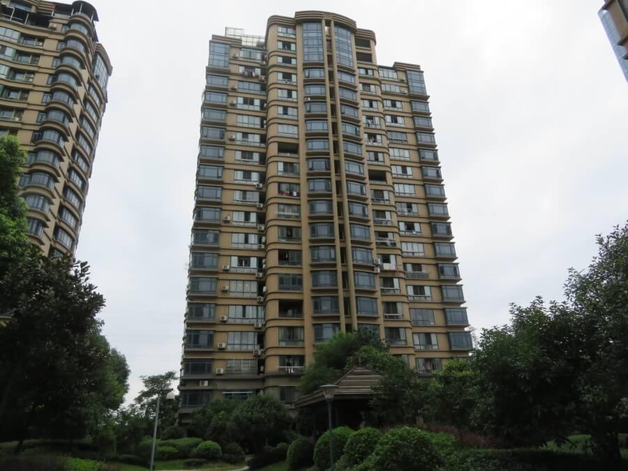 绍兴越城法院拍卖房:绍兴市柯桥区蝶庄30幢1302室房地产