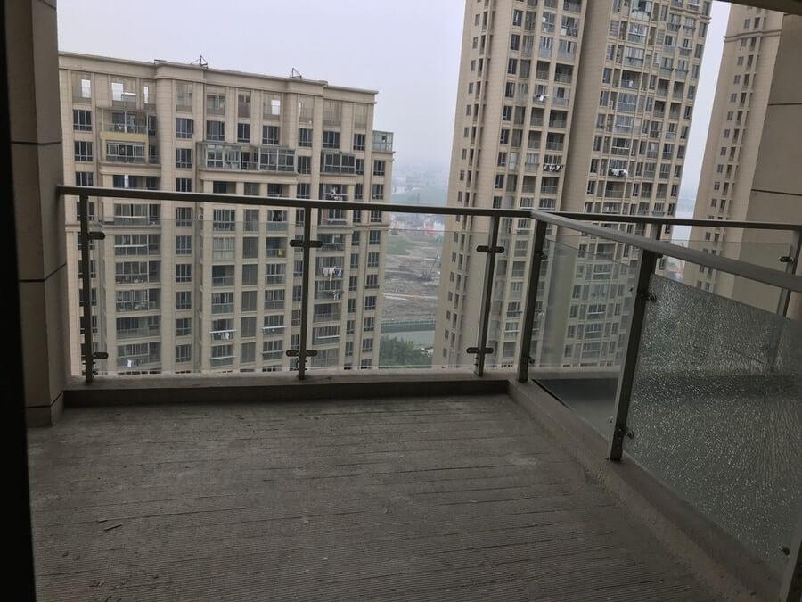 绍兴越城法院拍卖房:绍兴市越城区御景华庭33幢003103室房地产