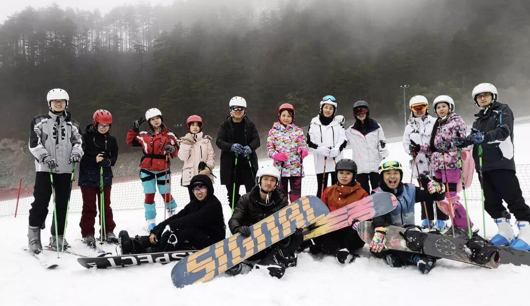 泽大首次滑雪体验旅程圆满结束