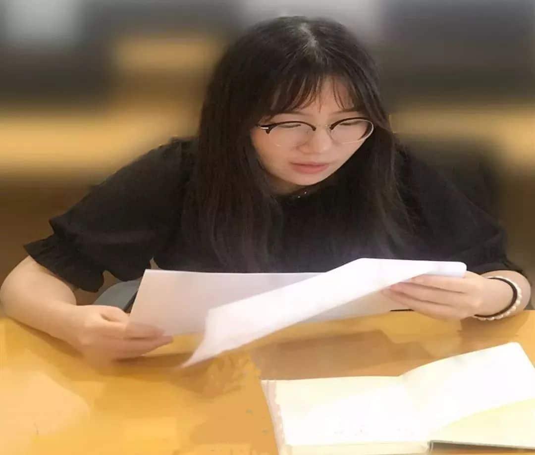 泽大企业法律顾问工作室开展《写给法科生的信》读书分享会