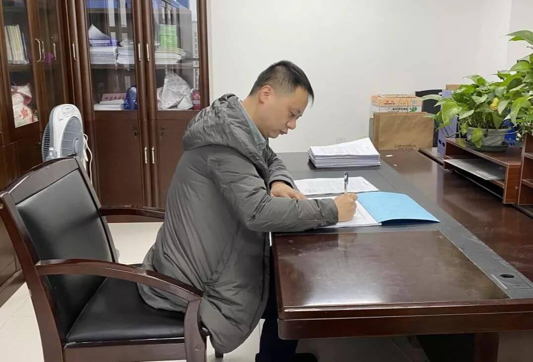 泽大绍兴所顺利签约绍兴市生态环境越城分局,并举行揭牌仪式
