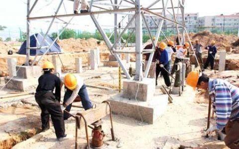 工程项目层层转包,实际施工人应当向谁主张工程款?