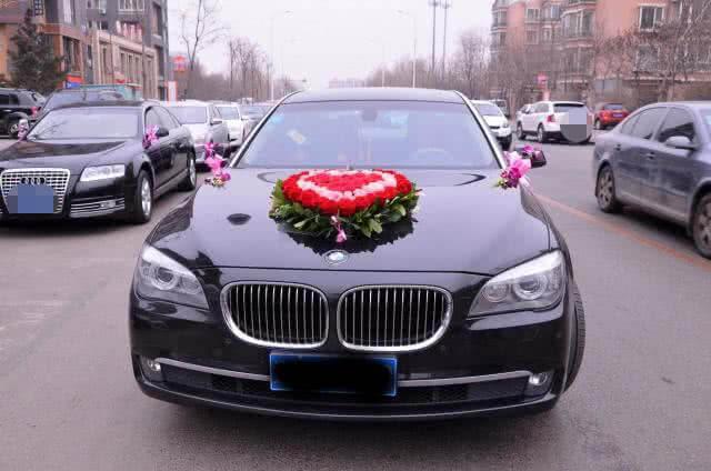婚车迎亲途中发生交通事故撞死他人,谁承担责任?
